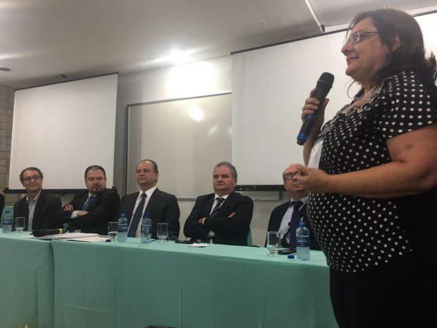 Estados do Nordeste trocam experiências sobre o cuidado às crianças com síndrome congênita associada ao Zika e governo federal anuncia R$ 27 milhões